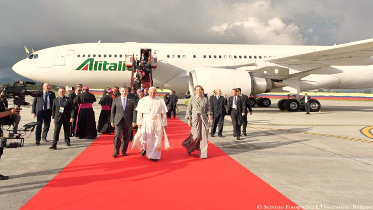 Así fue el recibimiento del Papa Francisco en Colombia