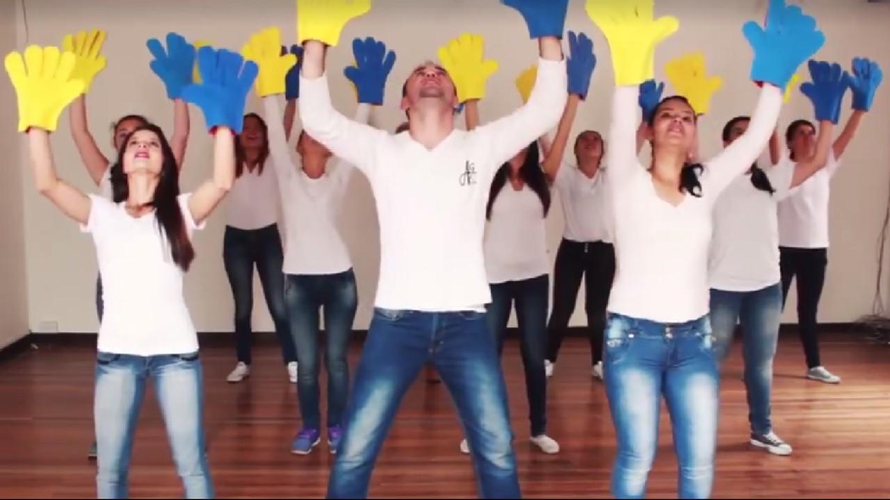 Jóvenes de Bogotá ensayan coreografía para el Papa Francisco