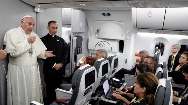 Francisco ofreció una rueda de prensa en el vuelo de regreso de Cartagena a Roma, tras su intensa visita a Colombia realizada del 6 al 10 de septiembre.