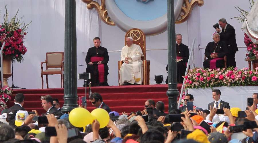 Papa francisco en la celebración mariana en Trujillo