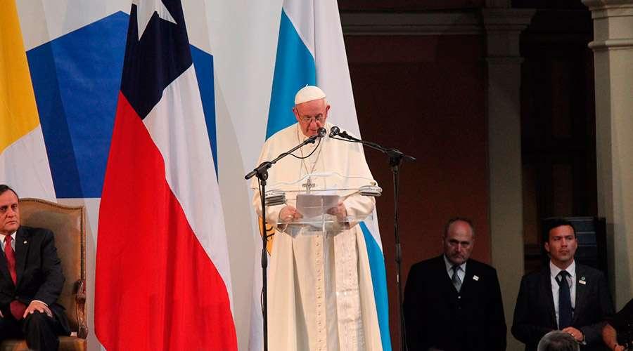 El Papa Francisco agradece el inestimable servicio de la Universidad Católica de Chile
